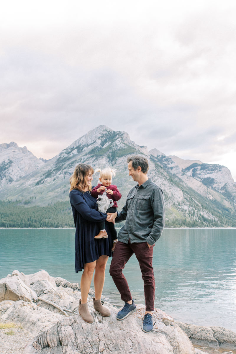Lake Minnewanka Family session