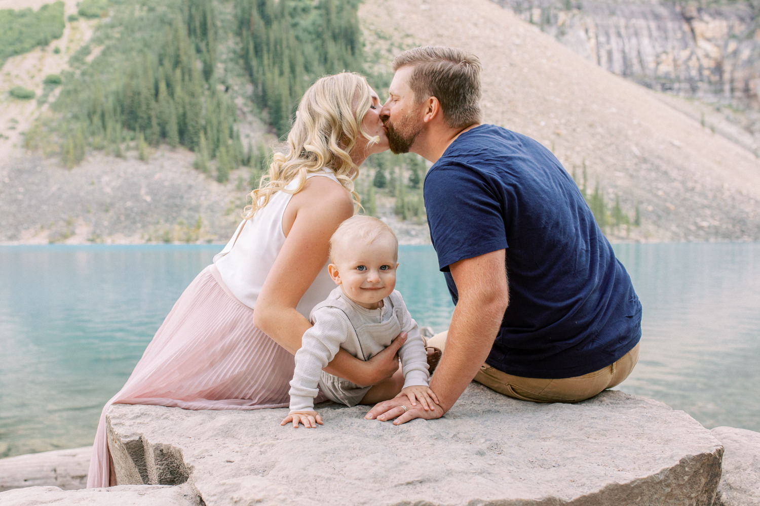 Moraine Lake Family session